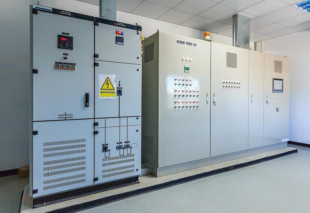 ビル・工場における受変電設備の重要性